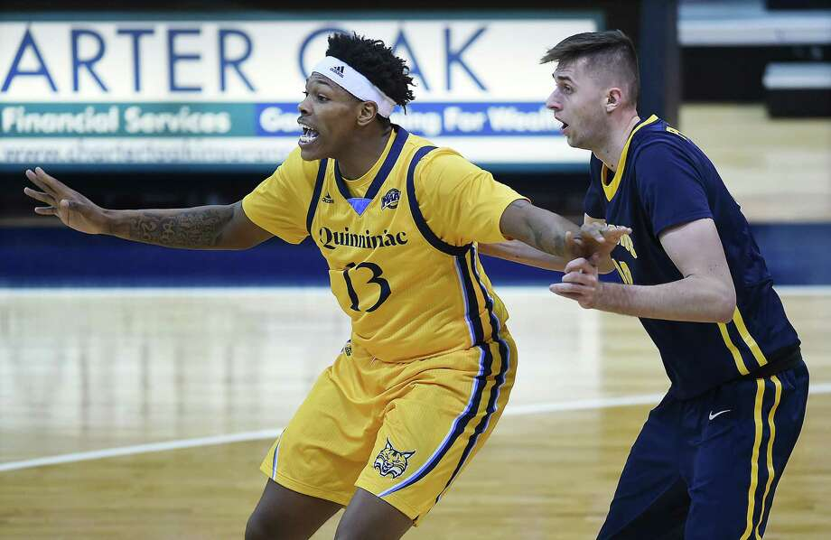 Quinnipiac senior forward Chaise Daniels calls for the ball against Canisius, Friday, Jan. 5, 2018, at the TD Bank Sports Center in Hamden. Photo: Catherine Avalone / Hearst Connecticut Media / New Haven Register
