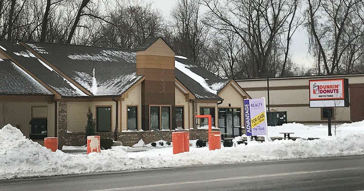 7 Federal Road, Brookfield: Construction of a Dunkin Donuts shop continues in Brookfield near the Danbury border. The shop will be in the former location of a Pizza Hut, which closed in 2016. Construction also continues next door at the future site of Connecticut?'s first Hummus & Pita Co.