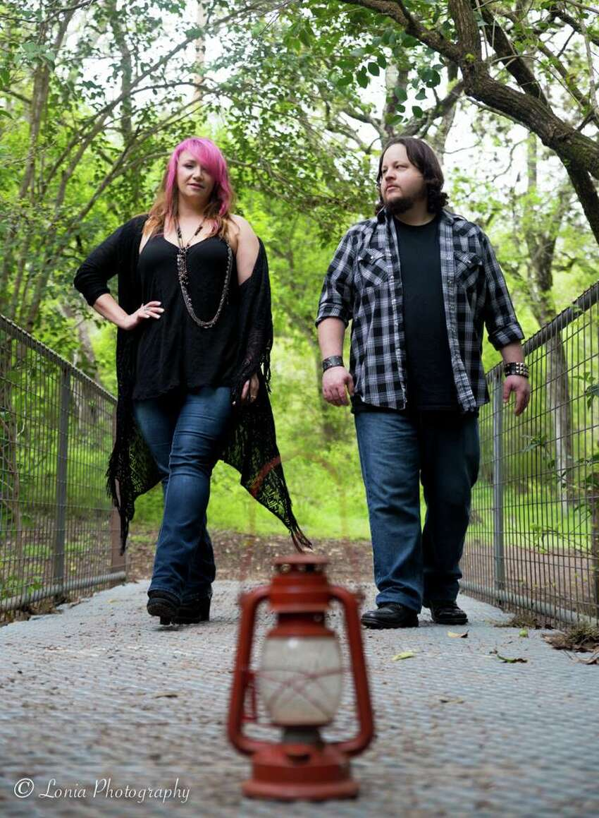 The husband-and-wife duo Korey Manuel (guitar and vocals) and Dana Chavez-Manuel (bass and vocals) call their music, which draws on blues, rock and country,