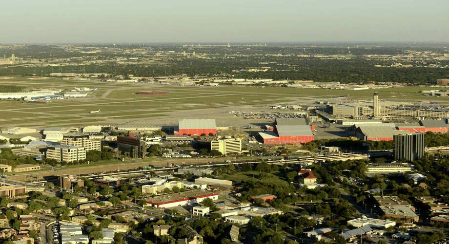 San Antonio International Airport last year. An airport task force should take control of the city's destiny and plan on an airport befitting one of the largest cities in the country. Photo: Billy Calzada /