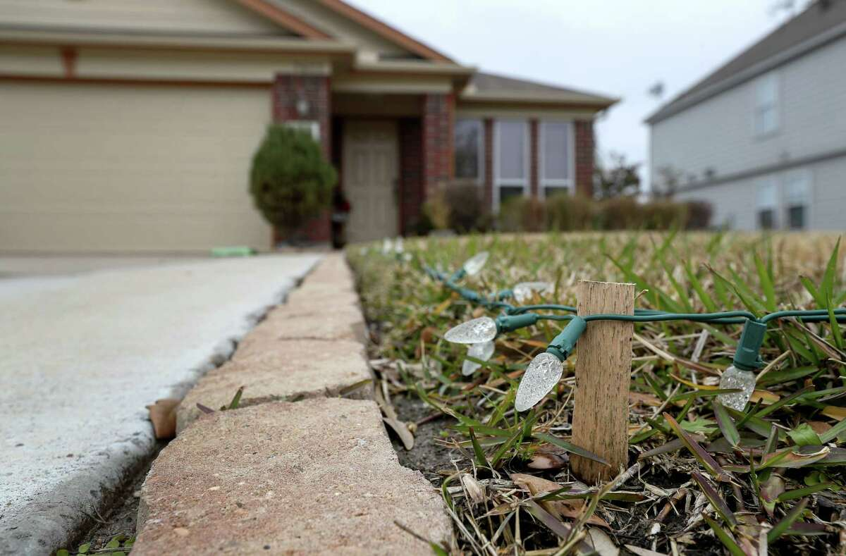 The home where Flor de Maria Pineda Cañas lived with her husband Mauricio and two children, Daniel and Maricio, Jr., is seen Tuesday, Jan. 9, 2018, in Baytown. Flor Cañas allegedly killed her husband, two children and then herself at the San Luis Resort in Galveston, Monday, Jan. 8, 2017.