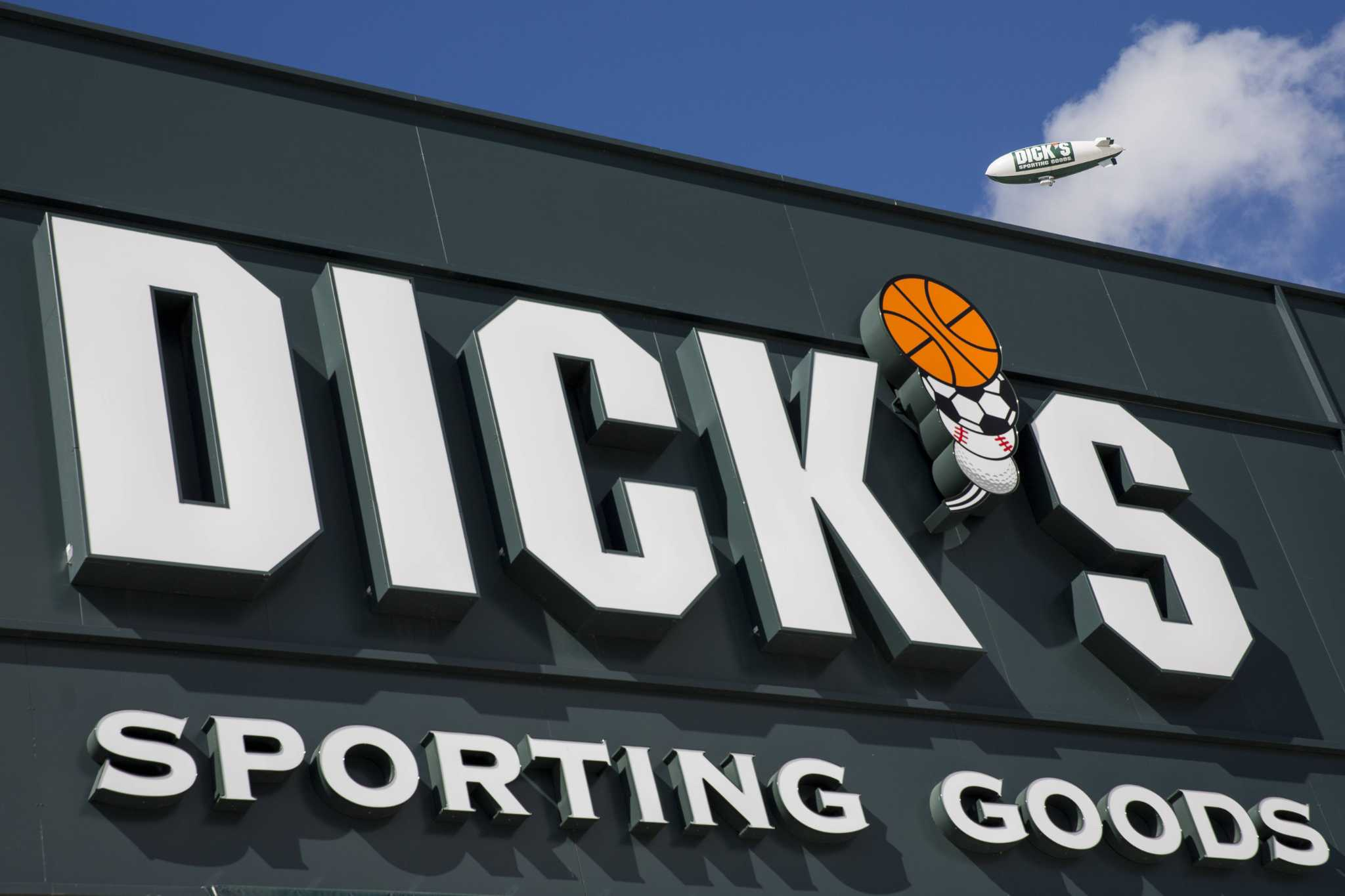 Dicks sporting goods to remove guns, hunt department