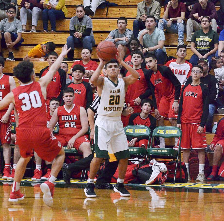 Joseph Garcia scored 14 points for Nixon in the Mustangs' 82-64 win on Tuesday night against Roma. Photo: Cuate Santos /Laredo Morning Times / Laredo Morning Times