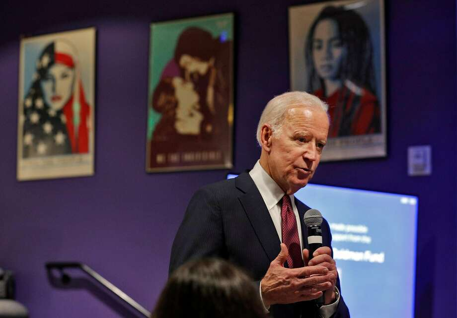 Former Vice President Joe Biden speaks with teens at a workshop on political activism at the San Francisco Jewish Community Center in San Francisco, Calif., on Tuesday, January 9, 2018. Photo: Carlos Avila Gonzalez, The Chronicle