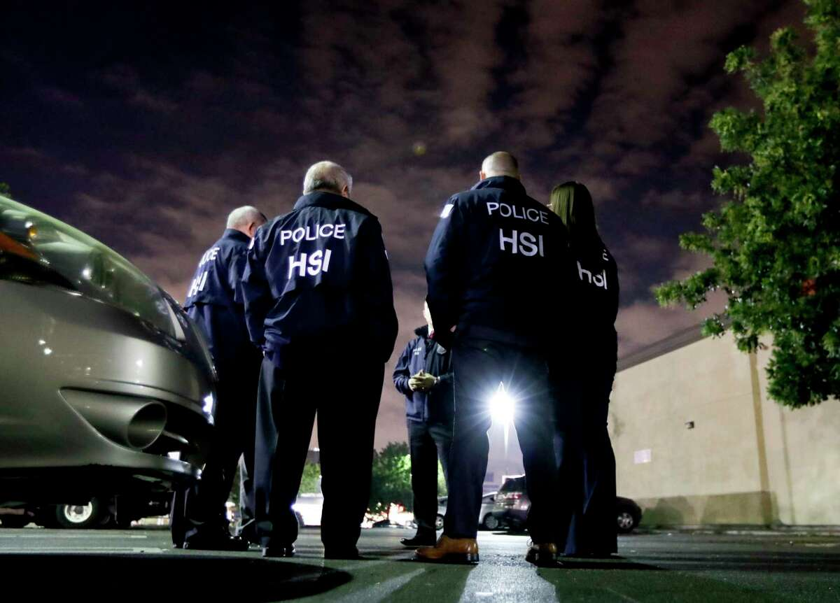 U.S. Immigration and Customs Enforcement agents on Jan. 10, 2018, in Los Angeles.