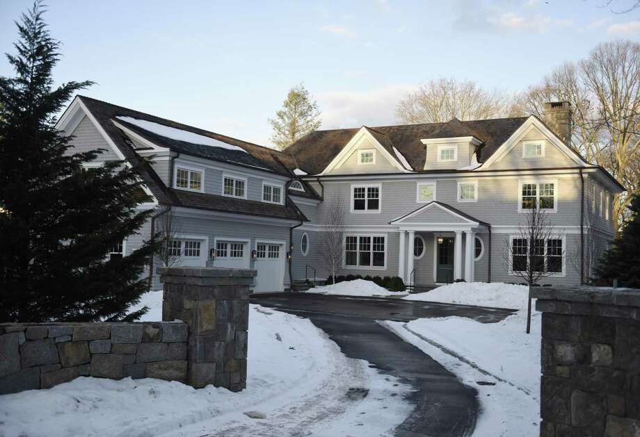 The recently sold home on Indian Head Road in the Riverside section of Greenwich, Conn., photographed Tuesday, Jan. 9, 2018. Photo: Tyler Sizemore / Hearst Connecticut Media / Greenwich Time