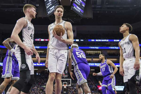 03cac26d7 1of2A dejected San Antonio Spurs center Pau Gasol (16) grabs the ball after  a basket by the Sacramento Kings on Monday