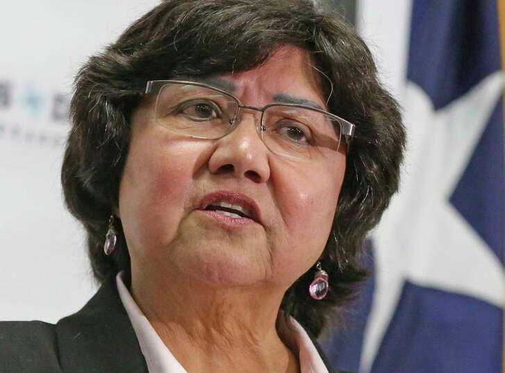 Recently-resigned Dallas County Sheriff Lupe Valdez announces that she will seek the Democratic nomination for Texas Governor at a news conference in Austin, Texas on Wednesday, Dec. 6, 2017.  Valdez, who is stepping down as sheriff after 12 years to launch her campaign, starts out as an underdog. Texas hasn't elected a Democratic governor since 1990 and Abbott coasted to a 20-point win just three years ago against Wendy Davis, whose defense of abortion rights catapulted her to national political stardom.(Louis DeLuca/The Dallas Morning News via AP)