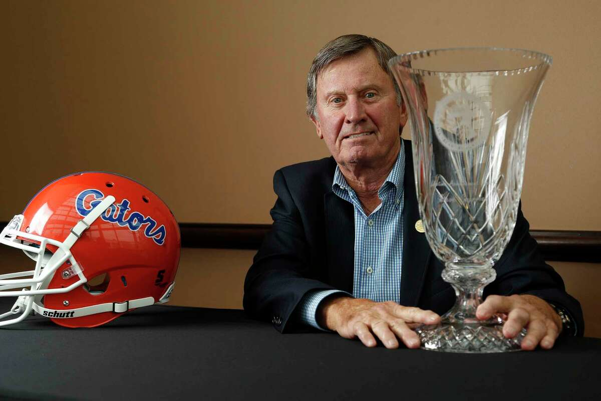 Steve Spurrier with his 2018 Paul