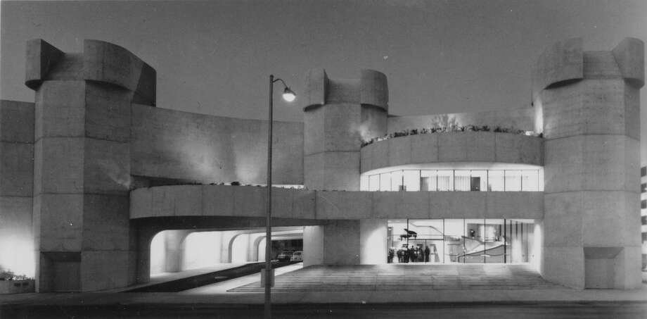 Archival photo of the Alley Theatre's third location, which opened in 1968.(Ezra Stoller)