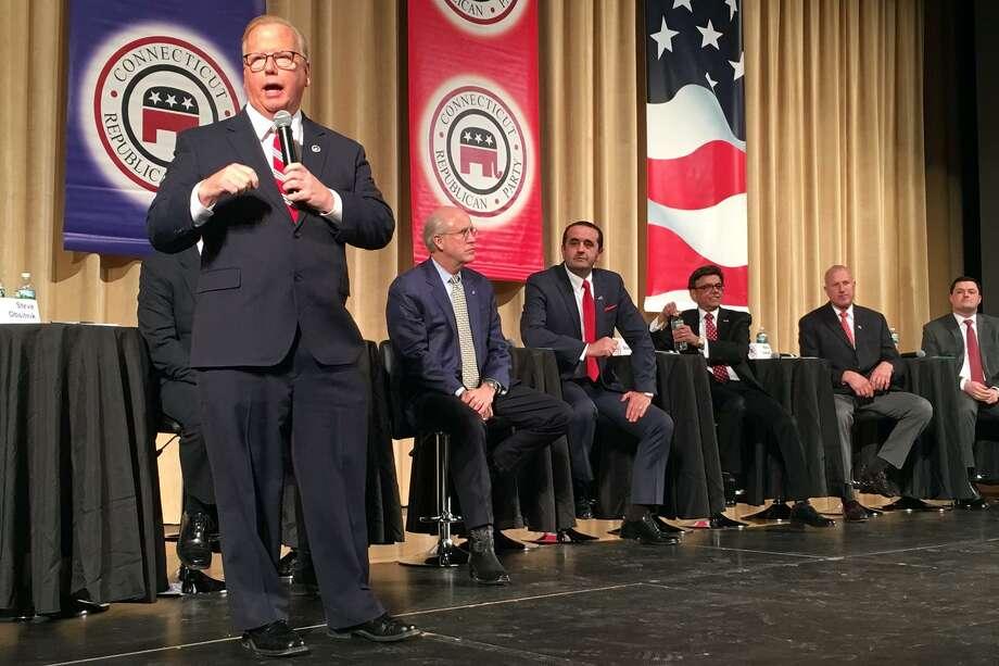 Outsider candidates take on establishment at GOP governor ...