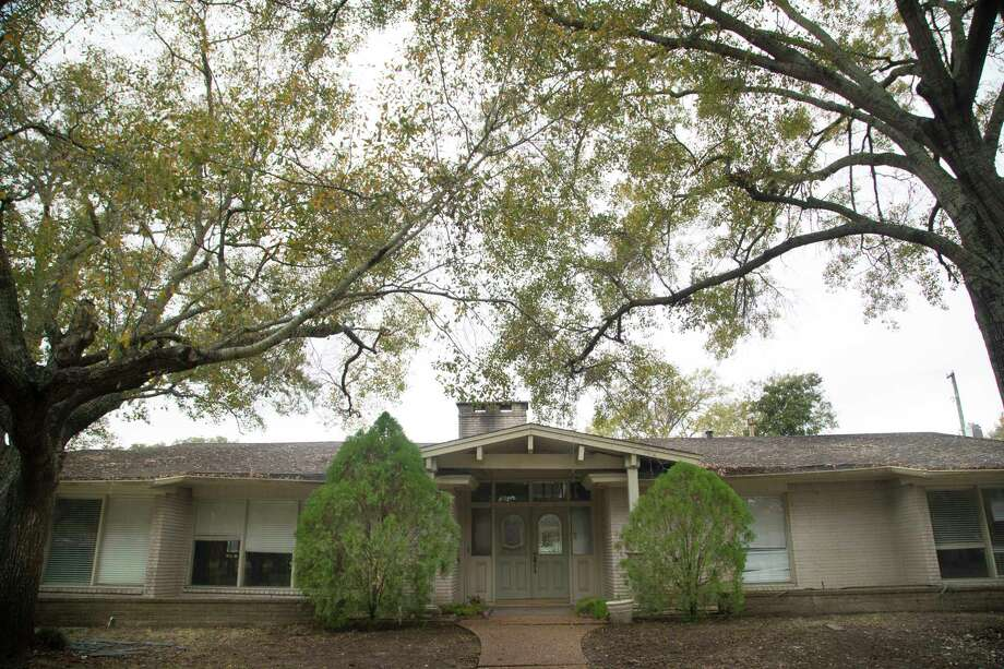 Houston City Council approved five elevation contracts for floodprone homes in the Meyerland-area on Wednesday, including this house on Cadman Court. Wednesday, Jan. 10, 2018, in Houston. Photo: Marie D. De Jesus, Houston Chronicle / © 2018 Houston Chronicle