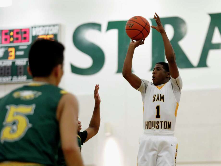Sam Houston guard Kendric Davis, right, is one of four area boys nominees for the McDonald's All-American team. Photo: Tim Warner, Freelance / Houston Chronicle