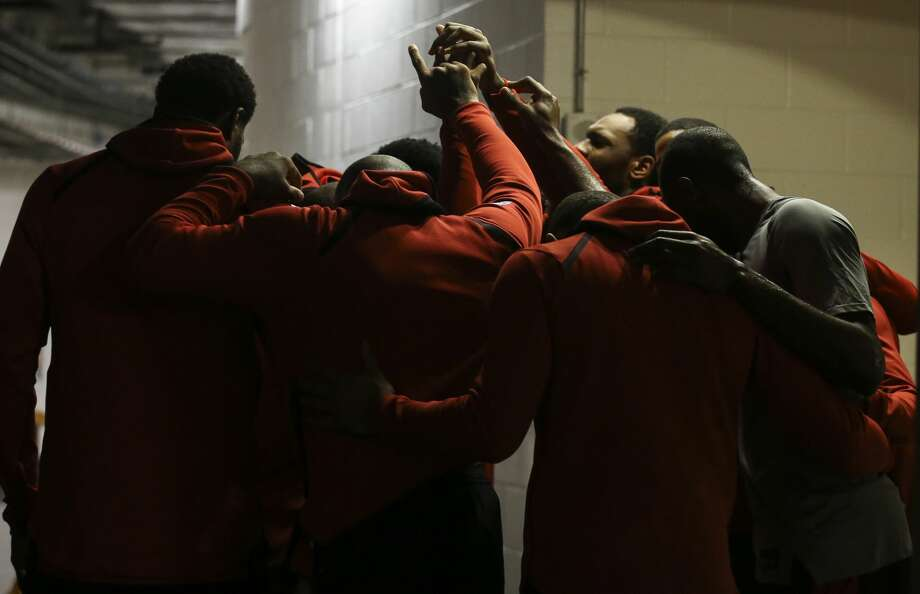 Houston Rockets players huddle together before taking the court for the NBA game against the Portland Trail Blazers at Toyota Center on Wednesday, Jan. 10, 2018, in Houston. ( Yi-Chin Lee / Houston Chronicle ) Photo: Yi-Chin Lee/Houston Chronicle