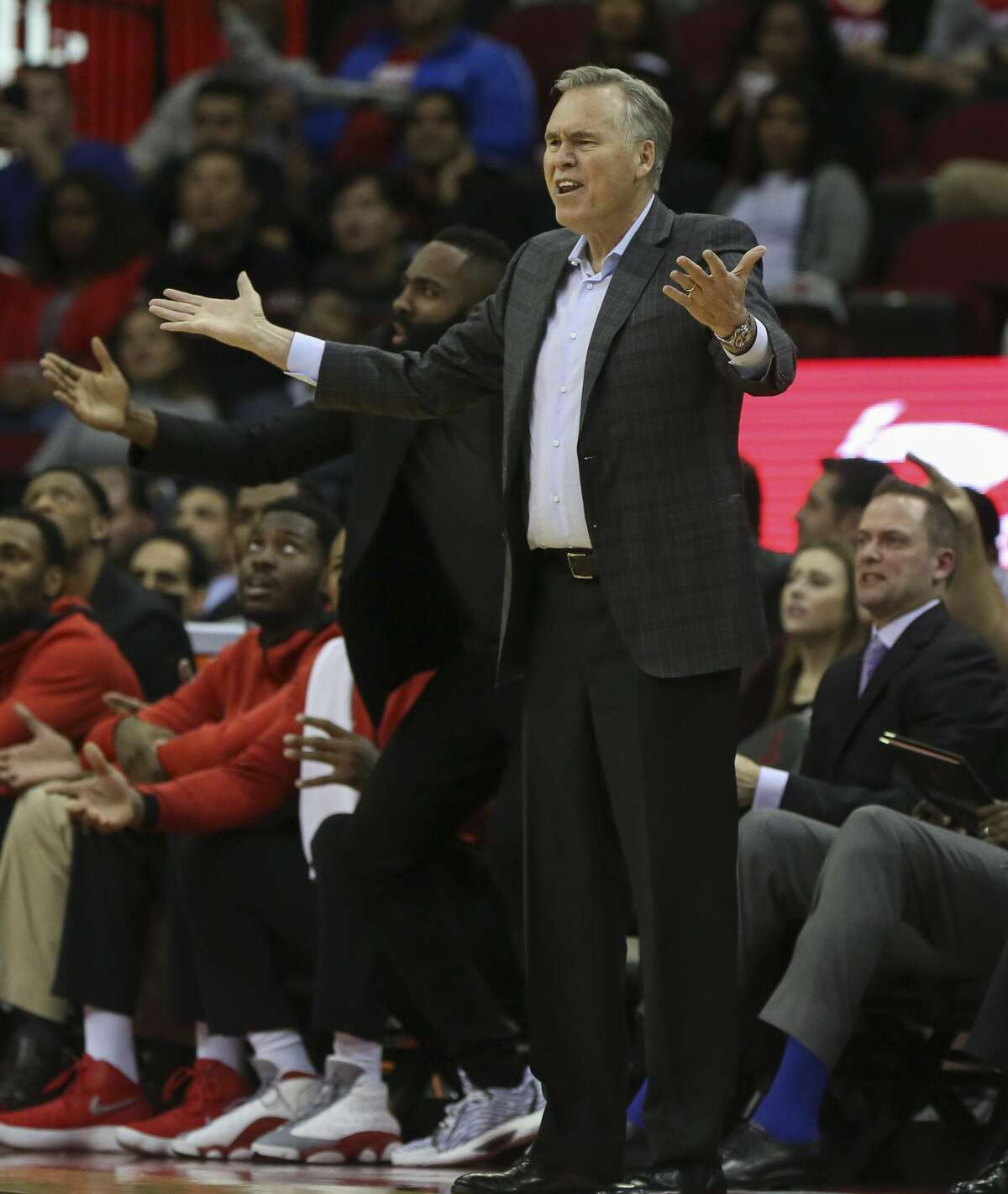 Houston Rockets head coach Mike D'Antoni disagrees with referee Dedric Taylor calling Clint Capela (15) foul during the first quarter of the NBA game against the Portland Trail Blazers at Toyota Center on Wednesday, Jan. 10, 2018, in Houston. ( Yi-Chin Lee / Houston Chronicle )
