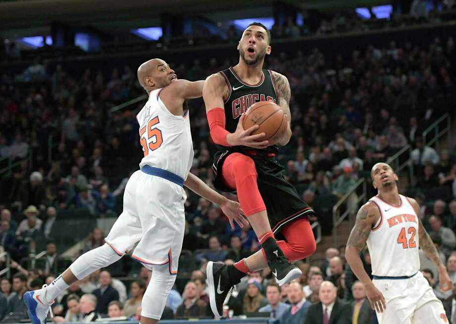 Chicago Bulls forward Denzel Valentine (45) drives to the basket as he get  by 5beb1583cb63