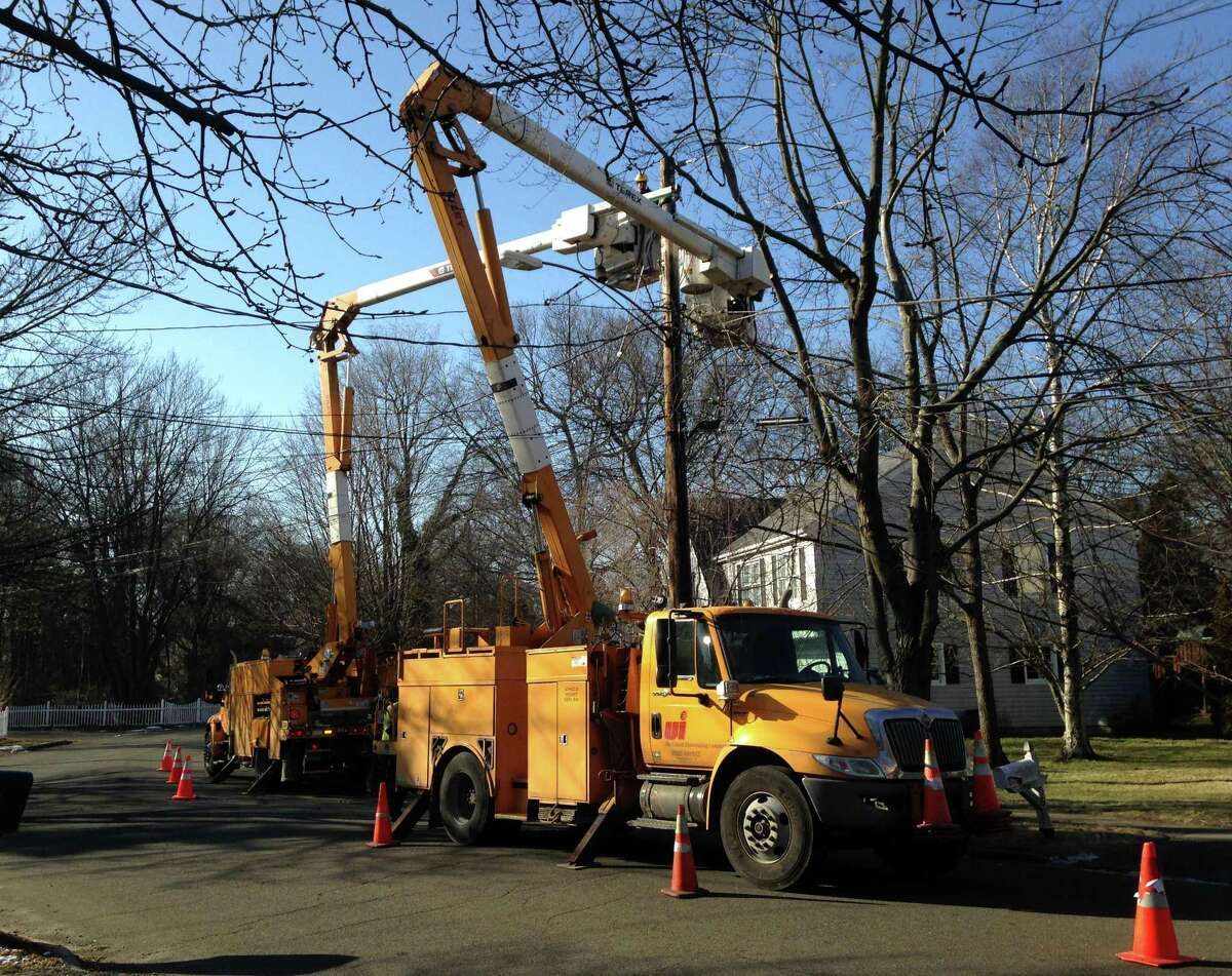 United Illuminating crews at work in January 2015 in Fairfield, Conn.