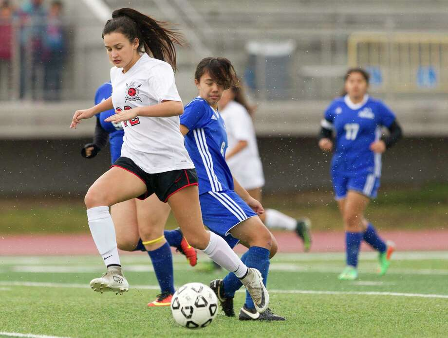Porter's Kelly Rodriguez (22) dribbles past Channelview in the first period of a high school girls soccer match during the Kat Cup tournament, Thursday, Jan. 11, 2018, in Willis. Photo: Jason Fochtman, Staff Photographer / © 2018 Houston Chronicle