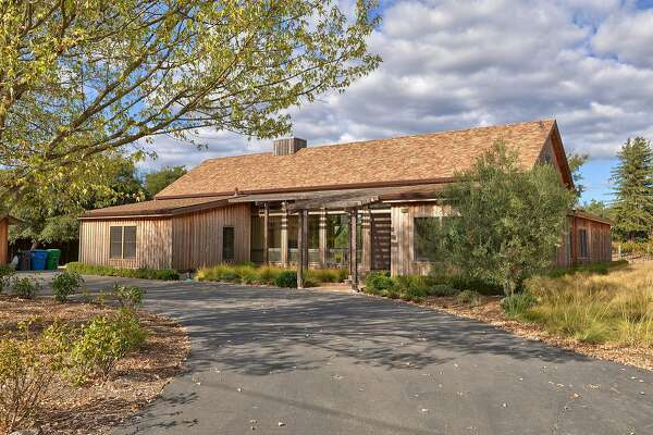 20989 Broadway in Sonoma is a three-bedroom with vineyard views.�