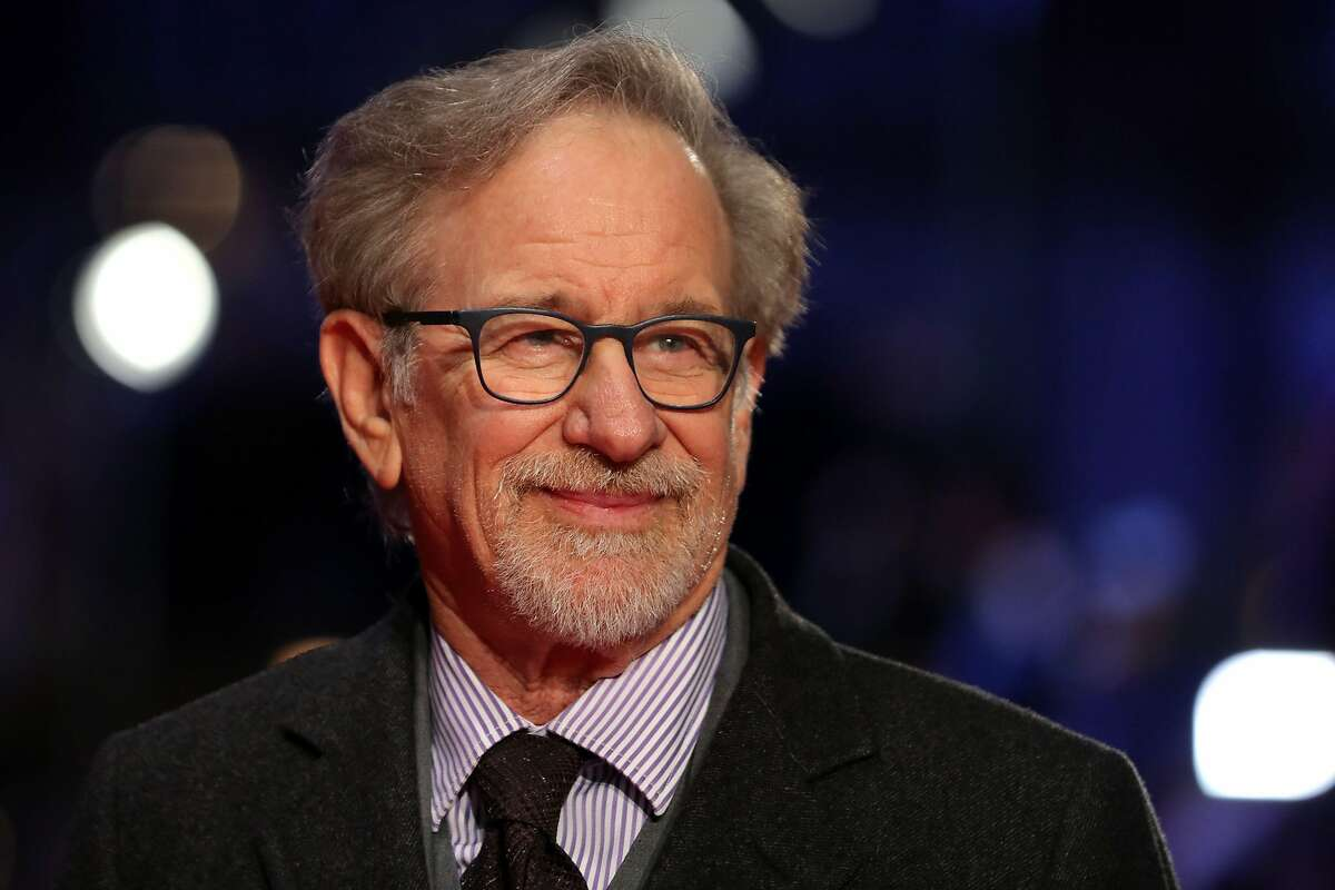 US film director Steven Spielberg poses on the red carpet on arrival for the European Premiere of his film, The Post in London on January 10, 2018. / AFP PHOTO / Daniel LEAL-OLIVASDANIEL LEAL-OLIVAS/AFP/Getty Images
