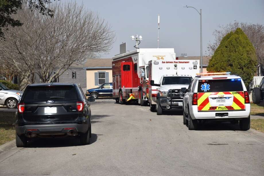 A bomb threat at a trailer park on Culebra Road on San Antonio's far west side sparked a large police presence on Thursday, Jan. 11, 2018. Photo: Caleb Downs / San Antonio Express-News