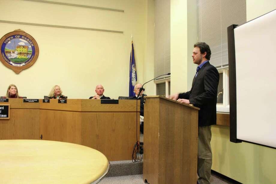 Tim Sadler, from Encon, presents a solar energy project to the board of selectmen at Darien Town Hall on Jan. 8, 2017. Photo: Humberto J. Rocha / Hearst Connecticut Media / Darien News