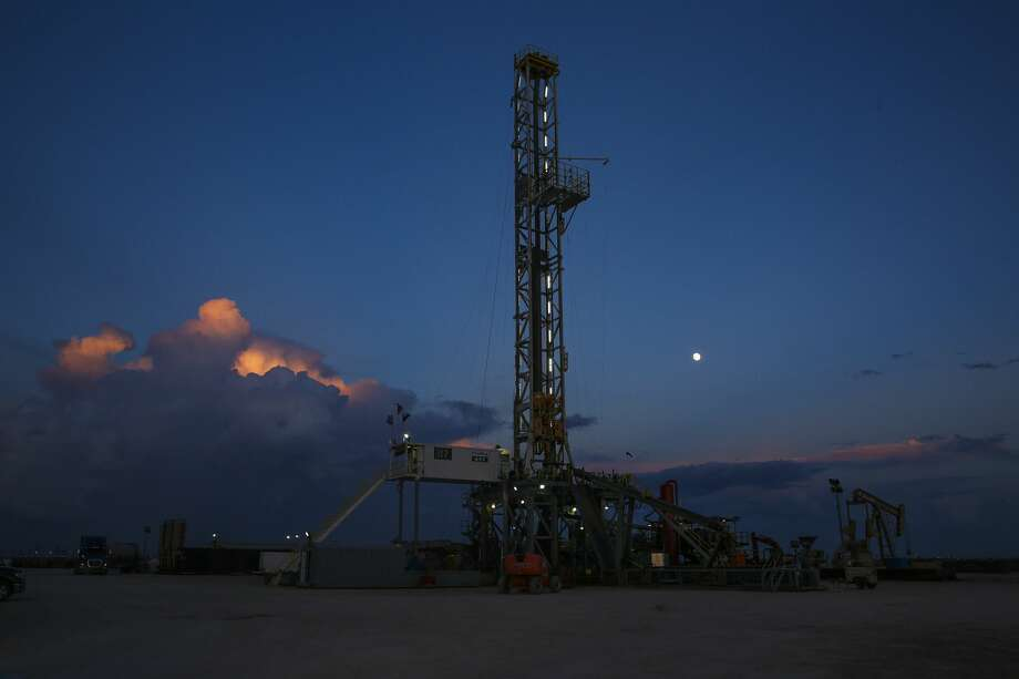 West Texas Intermediate futures contracts for August delivery on Friday settled at $71.01 per barrel, up 68 cents (0.98 percent) on the day but down $2.79 (3.78 percent) for the week.  Photo: Michael Ciaglo/Houston Chronicle