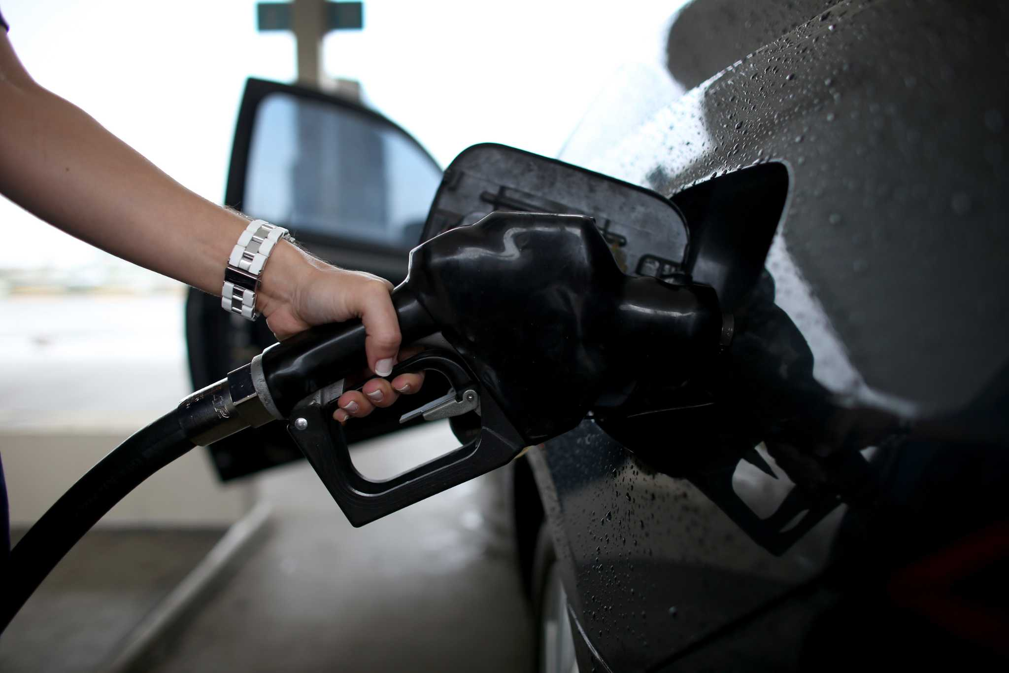Gas price drop in Midland doubles state average