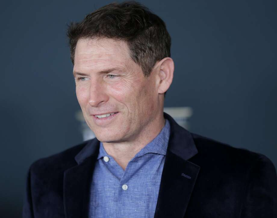 NFL legend Steve Young poses for photos before the NFL honors night at the Wortham Theater Center on Saturday, Feb. 4, 2017, in Houston. ( Elizabeth Conley / Houston Chronicle ) Photo: Elizabeth Conley, Houston Chronicle