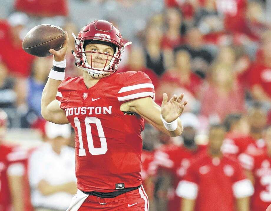 Houston Cougars quarterback Kyle Allen (10) throws the ball in the first quarter against Rice Owls  at TDECU Stadium on Saturday, Sept. 16, 2017, in Houston. ( Elizabeth Conley / Houston Chronicle ) Photo: Elizabeth Conley, Staff / Internal