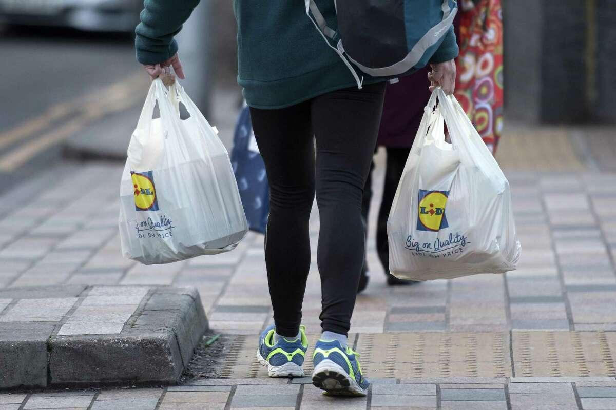 La Suprema Corte de Texas escuchó argumentos sobre la legalidad de la prohibición de bolsas de plástico en ciudades del estado.