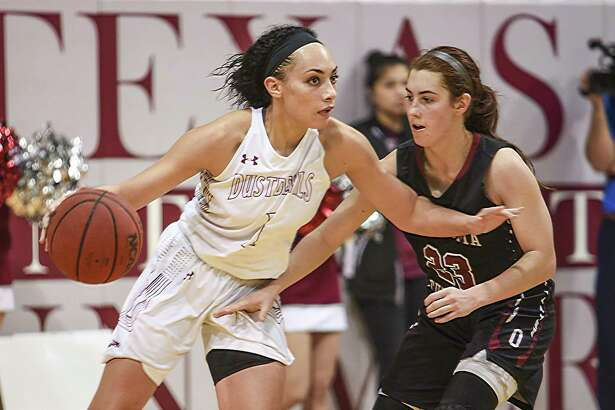 Tantashea Giger had her third straight double-double with 12 points and 12 rebounds leading TAMIU to a 47-45 win at St. Edward's. The win not only broke a record 15-game losing skid but was the team's first win outside Laredo in two seasons.