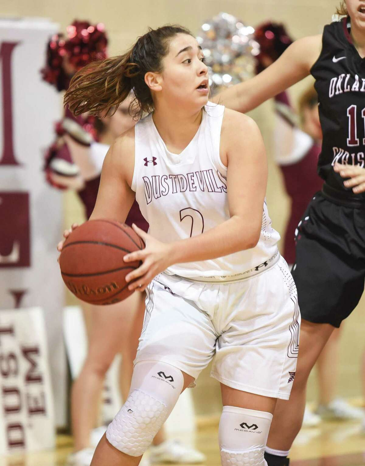 Former Alexander product Dannia Gonzalez racked up five points and four rebounds in a season-high 22 minutes Thursday night.