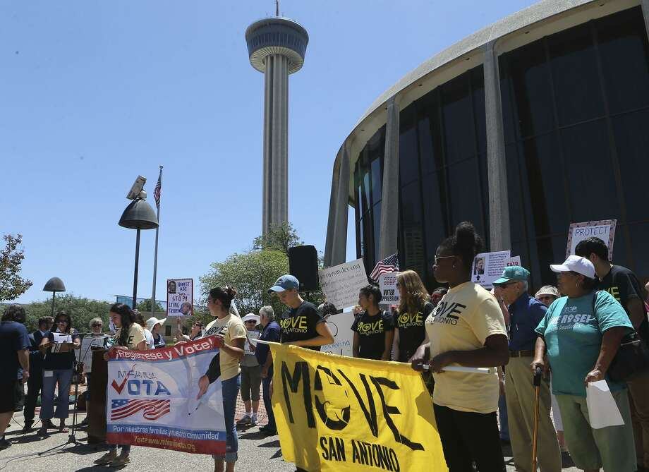 Protesters brave the heat in July 2017 outside of the John H. Wood, Jr. Federal Courthouse during a demonstration about suppression of the minority vote due to the redrawing of districts. The U.S. Supreme Court has accepted the redistricting case Friday but no decision is expected until June, after the primaries have been decided and electioneering for the November elections is in full swing. Photo: JOHN DAVENPORT /San Antonio Express-News / ©John Davenport/San Antonio Express-News