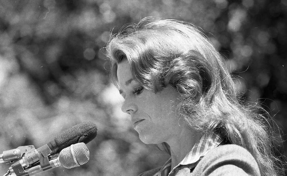 Jane Fonda speaks at Sproul Plaza in 1978 to promote solar energy. Photo: Susan Ehmer, The Chronicle
