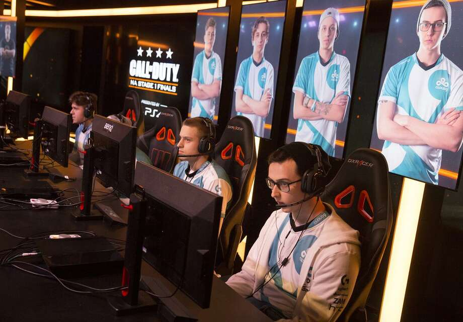 Gaming is a billion-dollar industry and is expected to soon become an Olympic event. Photo: Brian Van Der Brug / TNS / Los Angeles Times