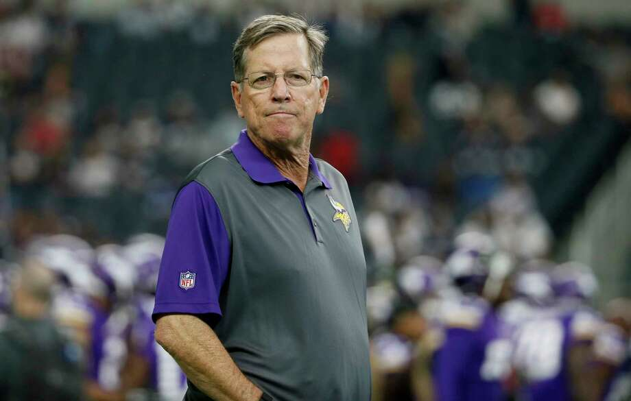 FILE - In this Aug. 29, 2015, file photo, then-Minnesota Vikings offensive coordinator Norv Turner watches the team warm up before a preseason NFL football game against the Dallas Cowboys, in Arlington, Texas. A person familiar with the situation says the Carolina Panthers are interviewing Norv Turner for their vacant offensive coordinator position. The person spoke to The Associated Press Thursday, Jan. 11, 2018, on condition of anonymity because the team does not discuss potential coaching candidates. The Panthers fired offensive coordinator Mike Shula and quarterbacks coach Ken Dorsey Tuesday, two days after a playoff loss to the Saints. (AP Photo/Tony Gutierrez, File) Photo: Tony Gutierrez, STF / Copyright 2018 The Associated Press. All rights reserved.