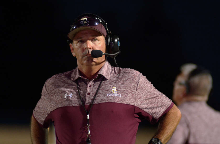Summer Creek head coach Brian Ford works the Bulldog sideline during their matchup with Pearland Dawson at Turner Stadium in Humble on Sept.  8, 2016. (Photo by Jerry Baker/Freelance) Photo: Jerry Baker, Freelance / Freelance