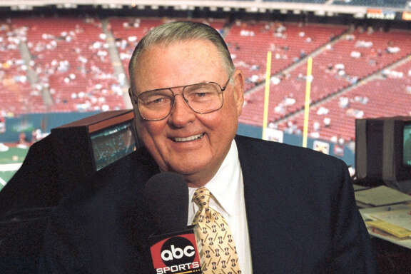 "ABC7 (12/29/98)The ""voice of college football,"" veteran sportscaster Keith Jackson will call the action for the 1999 ROSE BOWL presented by AT&T on FRIDAY, JAN. 1 (4:30-8:30 pm, ET); and the Tostito's FIESTA BOWL, this season's college football championship game, on MONDAY, JAN. 4 (8:00 pm, ET) on the ABC Television Network.  The Fiesta Bowl will be Jackson's last game, as the veteran sportscaster will retire after 32 years as ABC's top college football announcer.  Jackson has spanned the globe to announce a wide variety of sports, including boxing, swimming, golf, arm-wrestling, basketball, baseball, auto racing and 10  Olympic Games.  PLEASE SEE abcmedianet.com FOR MORE PHOTOS AND INFORMATION."
