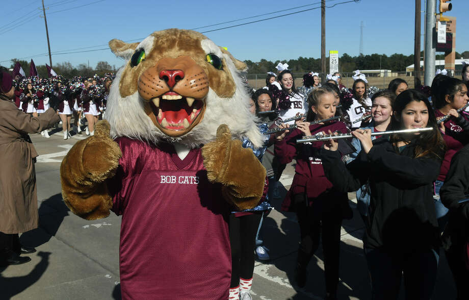 "Cy-Fair High School junior mascot ""Buddy"" (Cody Thomas) gives a thumbs up to fans during the school's parade held to celebrate the Bobcat's Class 6A Division II state championship on January 12, 2018. (Photo by Jerry Baker/Freelance) Photo: Jerry Baker, Freelance / Freelance"