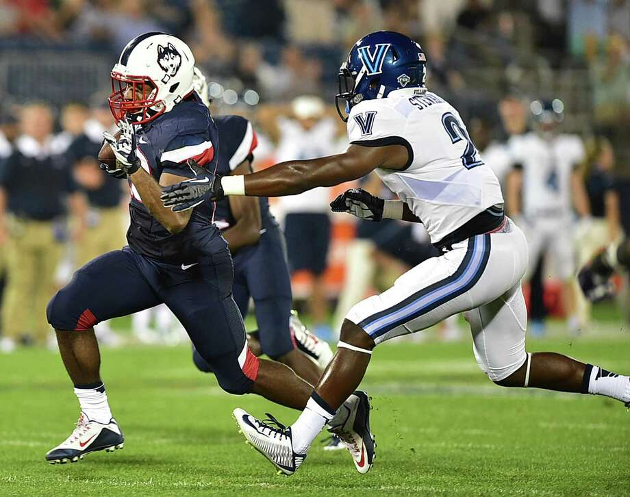 Former Uconn running back Arkeel Newsome will be a member of the National team in Sunday's Tropical Bowl in Daytona Beach, Florida Photo: Catherine Avalone / Hearst Connecticut Media File Photo / Catherine Avalone/New Haven Register