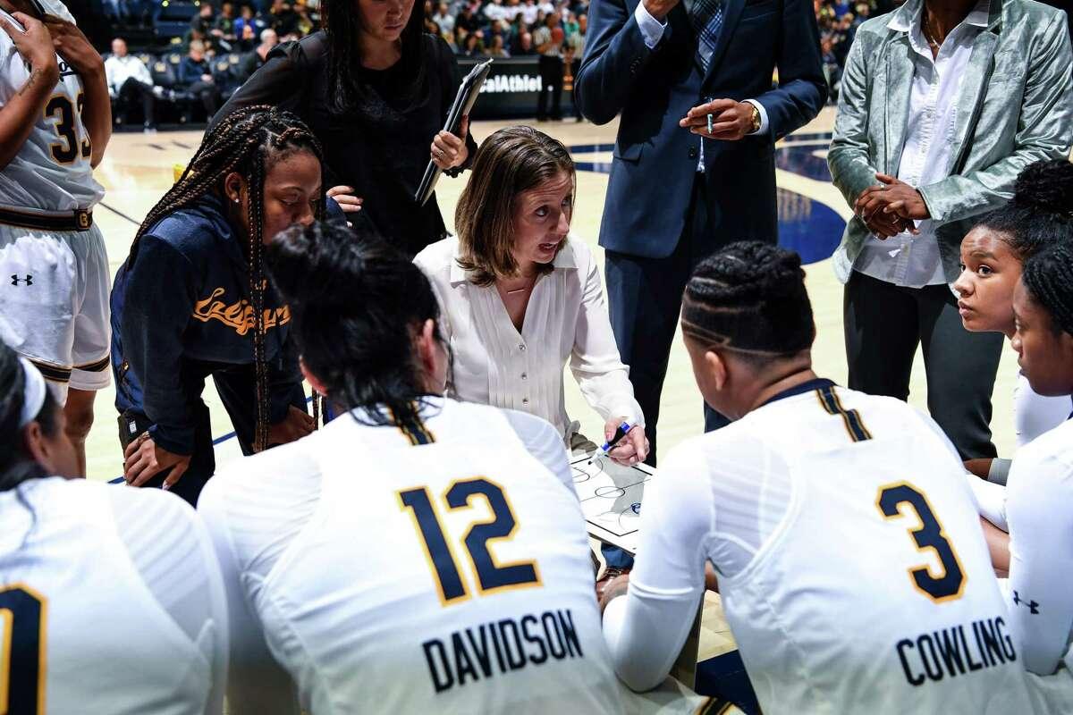 December 31, 2017; Haas Pavilion, Berkeley, California, USA; Womens Basketball: UCLA Bruins at California Golden Bears; California womens basketball team Photo credit: Marcus Edwards- KLC fotos