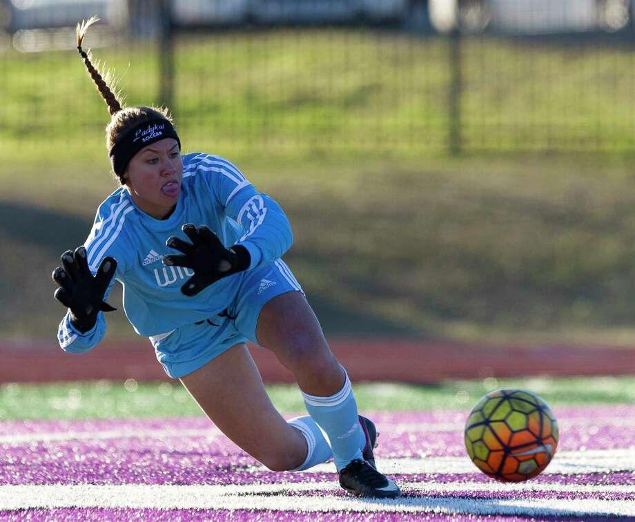 Willis goalie Hailee Santos (0) makes a save during the first period of the Kat Cup championship at Berton A. Yates Stadium, Saturday, Jan. 13, 2018. Photo: Jason Fochtman, Staff Photographer / © 2018 Houston Chronicle