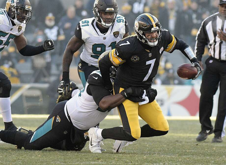 Pittsburgh quarterback Ben Roethlisberger passed for 469 yards and five touchdowns but also lost a fumble and threw an interception in a divisional-round loss to Jacksonville. Photo: Don Wright, Associated Press