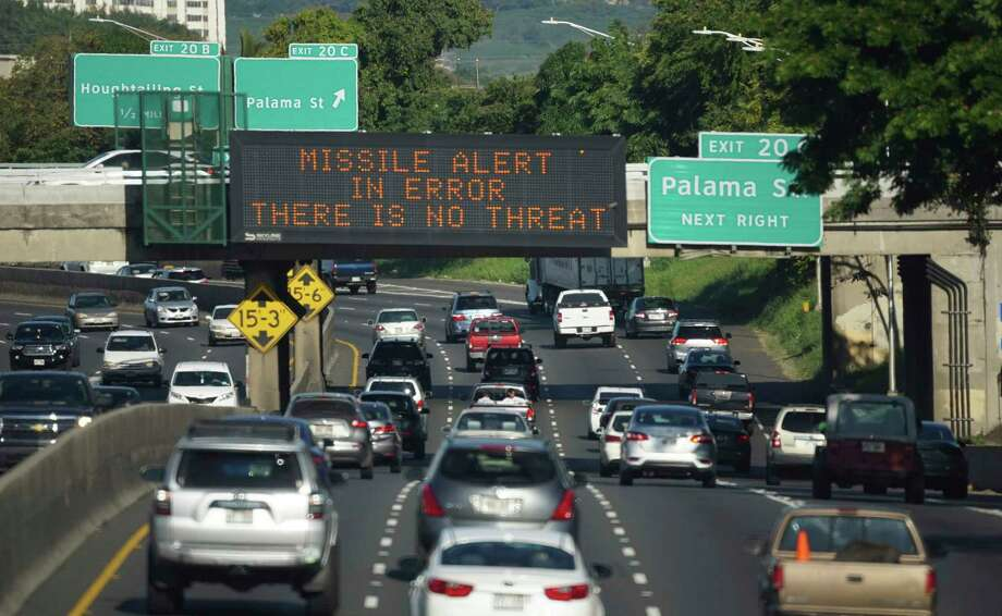 A freeway sign in Honolulu broadcasts the missile alert error. Photo: Anthony Quintano, HONS / Civil Beat