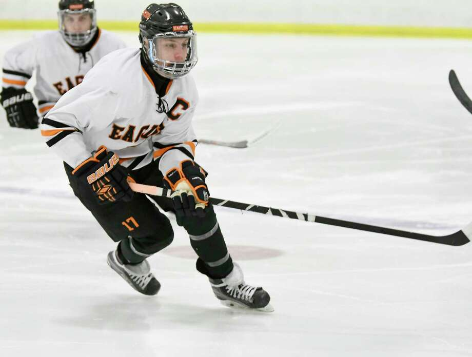 Bethlehem's Thomas Liebold (17) skates against Christian Brothers Academy during the first period of a high school hockey game in Bethlehem, N.Y. Wednesday, Jan. 3, 2018. (Hans Pennink / Special to the Times Union) Photo: Hans Pennink / Hans Pennink