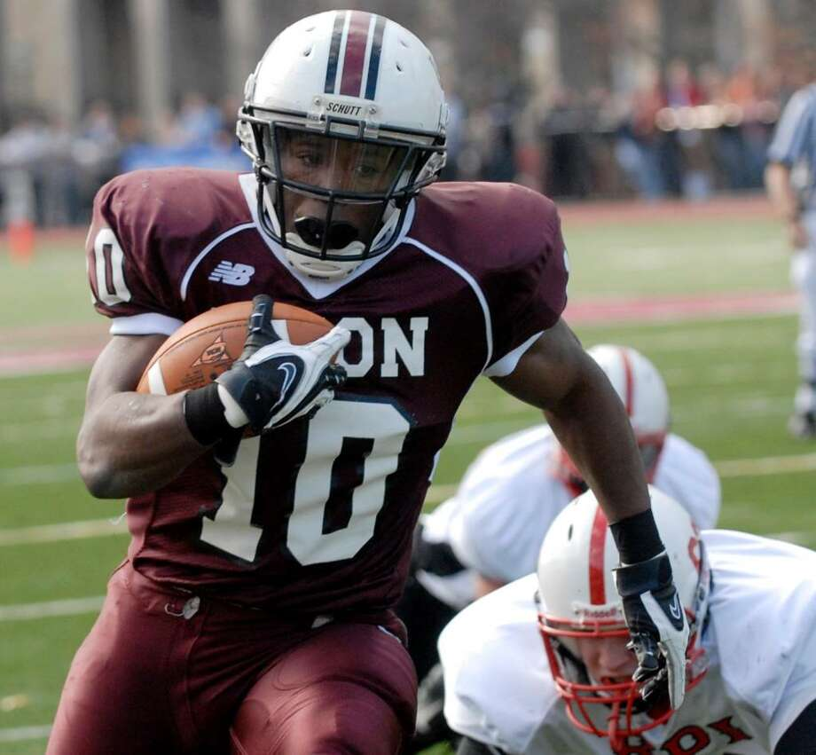 Union's Chris Coney runs for a touchdown against RPI. (Hans Pennink/Special to the Times Union) Photo: Hans Pennink