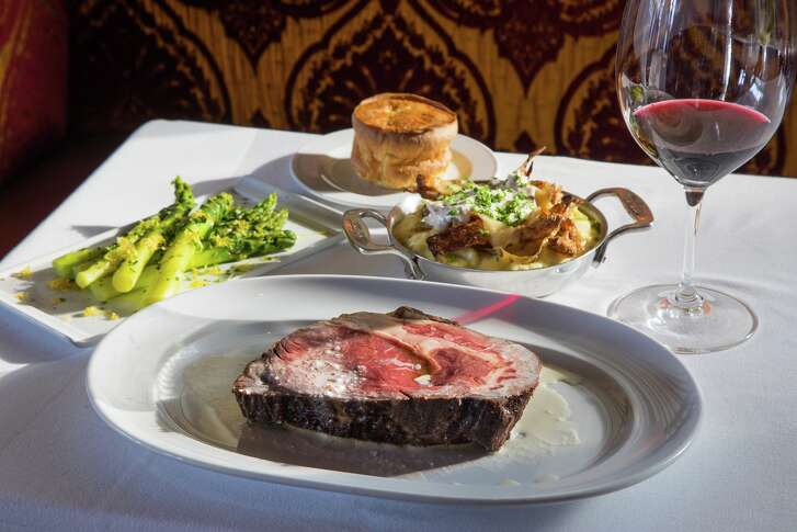 Chef Robert Del Grande has launched The Prime Room, a boutique restaurant-within-a-restaurant at Cafe Annie specializing in oysters and prime rib with classic sides.