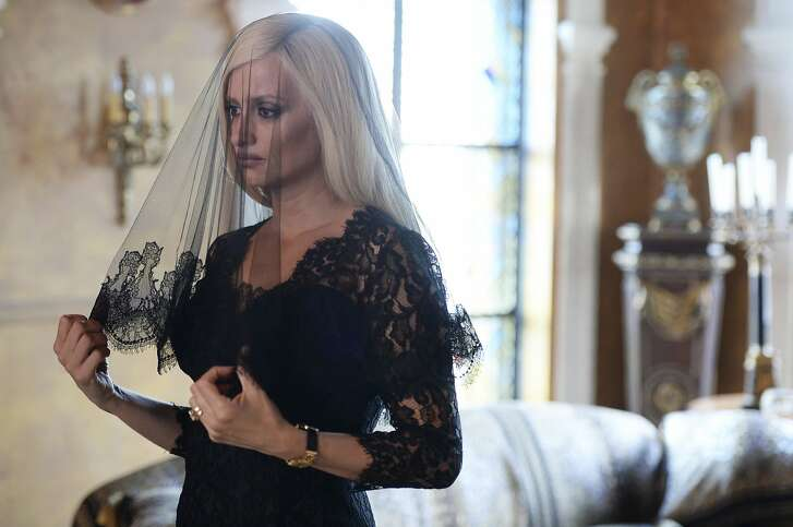 """This image released by FX shows Penelope Cruz as Donatella Versace in a scene from """"The Assassination of Gianni Versace: American Crime Story,"""" premiering Jan. 17, on FX.  (Jeff Daly/FX via AP)"""