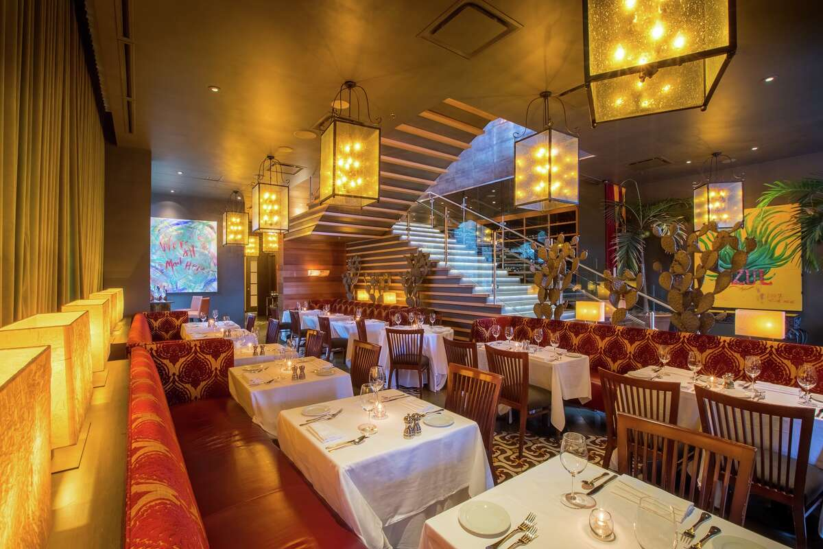 Chef Robert Del Grande has launched The Prime Room, a boutique restaurant-within-a-restaurant at Cafe Annie specializing in oysters and prime rib with classic sides. The 36-seat dining cove is on the ground floor of Cafe Annie near the restaurant's front door.